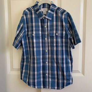 NWOT: Boys button down short sleeves shirt
